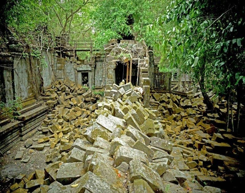 Beng Mealea Tour: A Real Wilderness Experience