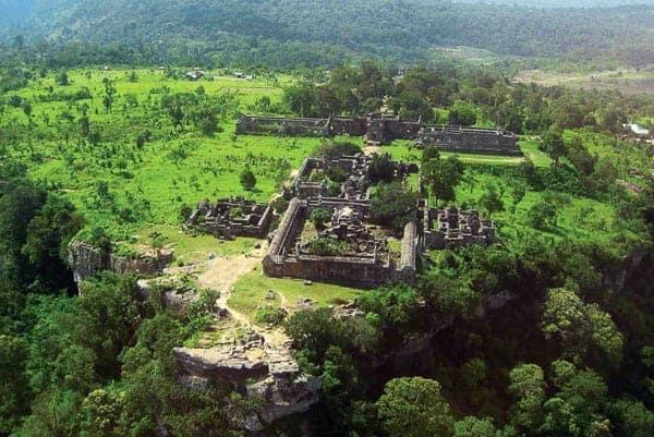 Preah Vihear temple perched atop a 1,722 ft cliff