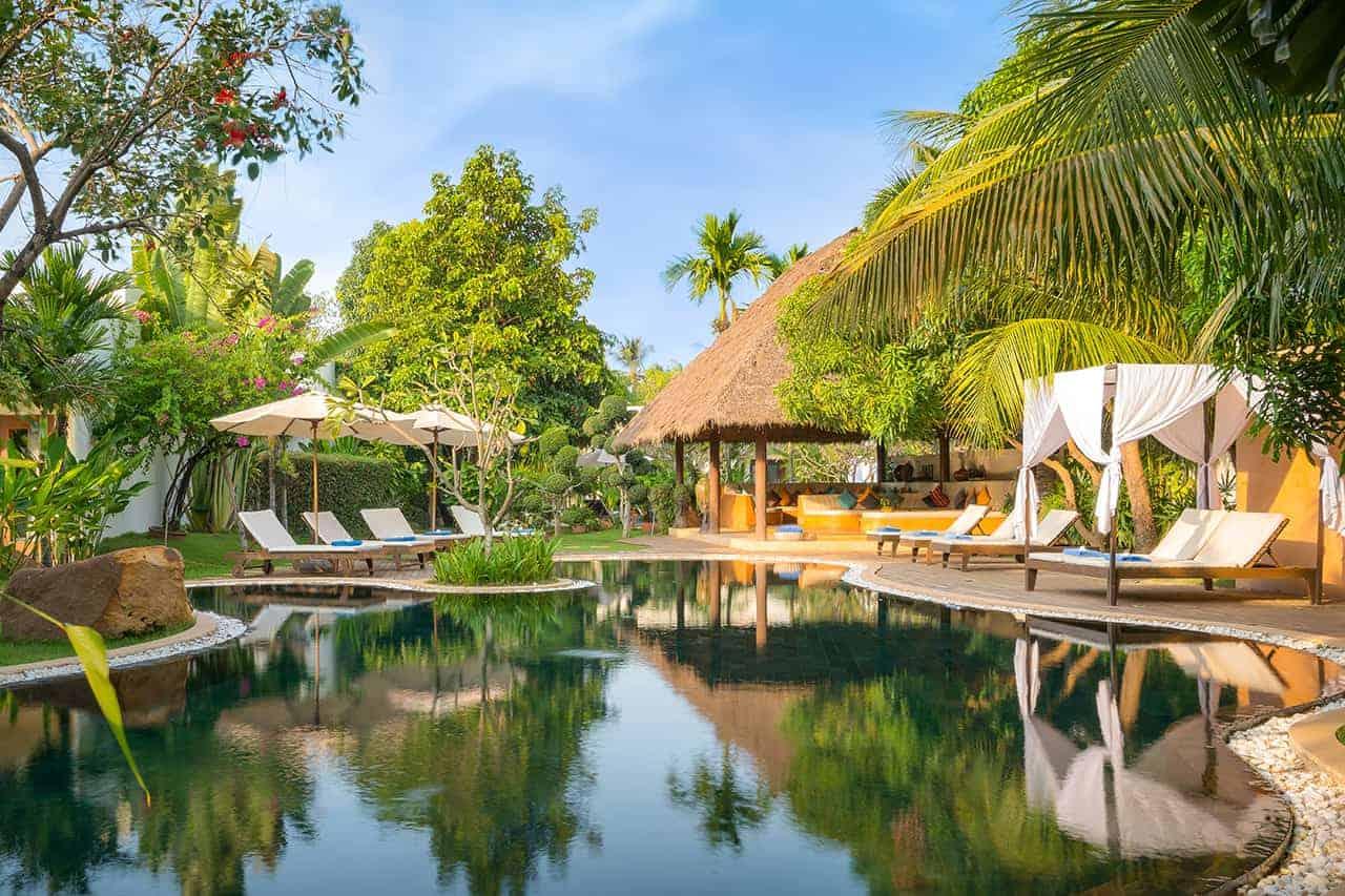 Navutu Lounge Pool