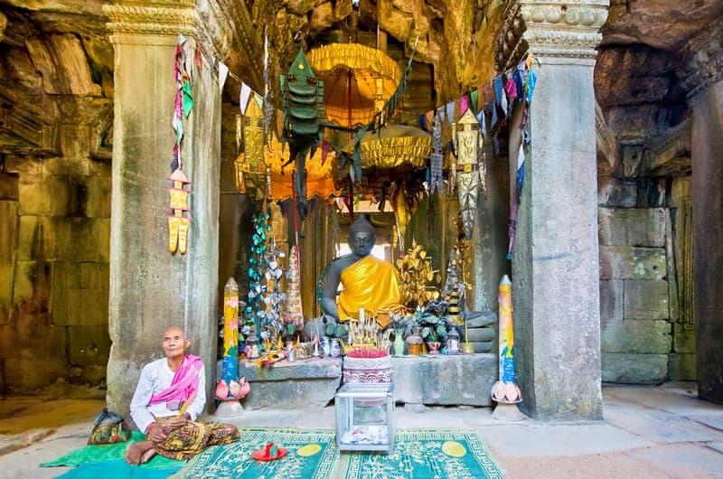 Alter inside Banteay Srey